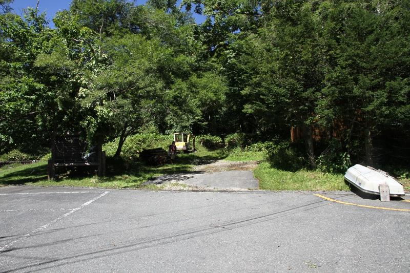 丸沼からの登山道入口